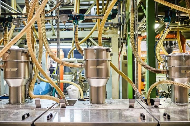 Automatyka-przemyslowa-w-procesie-produkcyjnym-fot-1-dlaprodukcji.pl