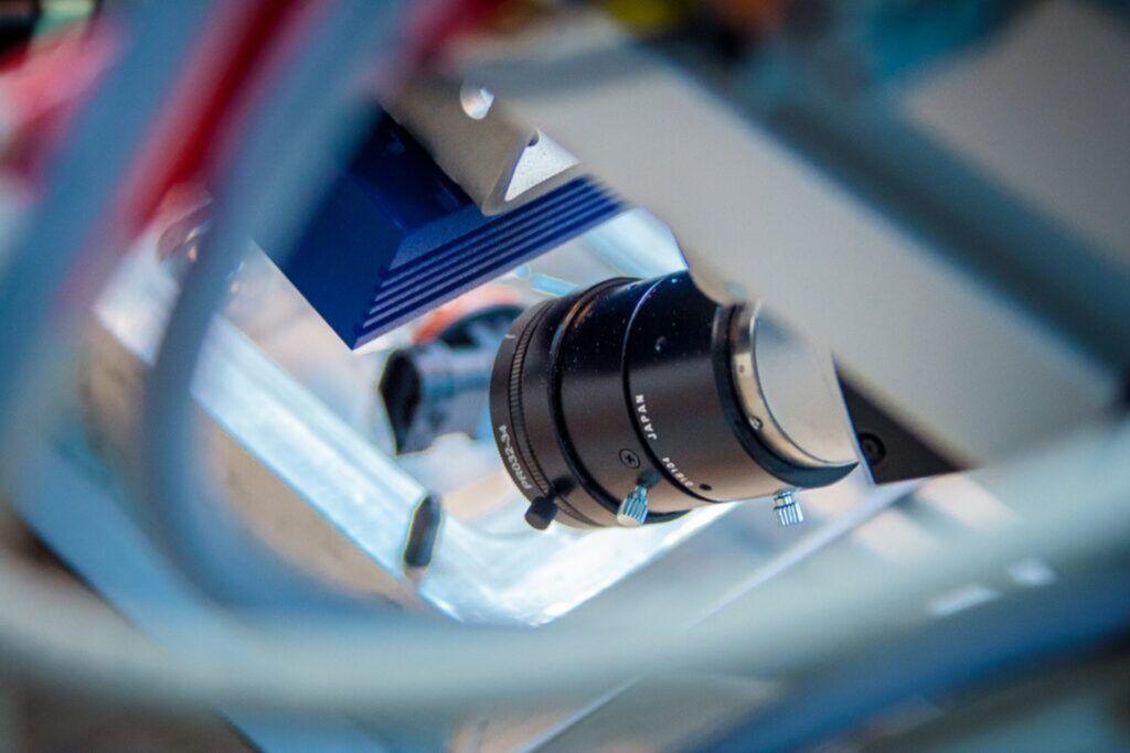 Systemy-wizyjne-w-procesach-produkcyjnych-krok-milowy-w-kierunku-przemyslu-4.0-fot-2-dlaProdukcji.pl