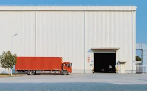 Gospodarka-przyspiesza-ale-ma-problemy-z-dostawami-materialow