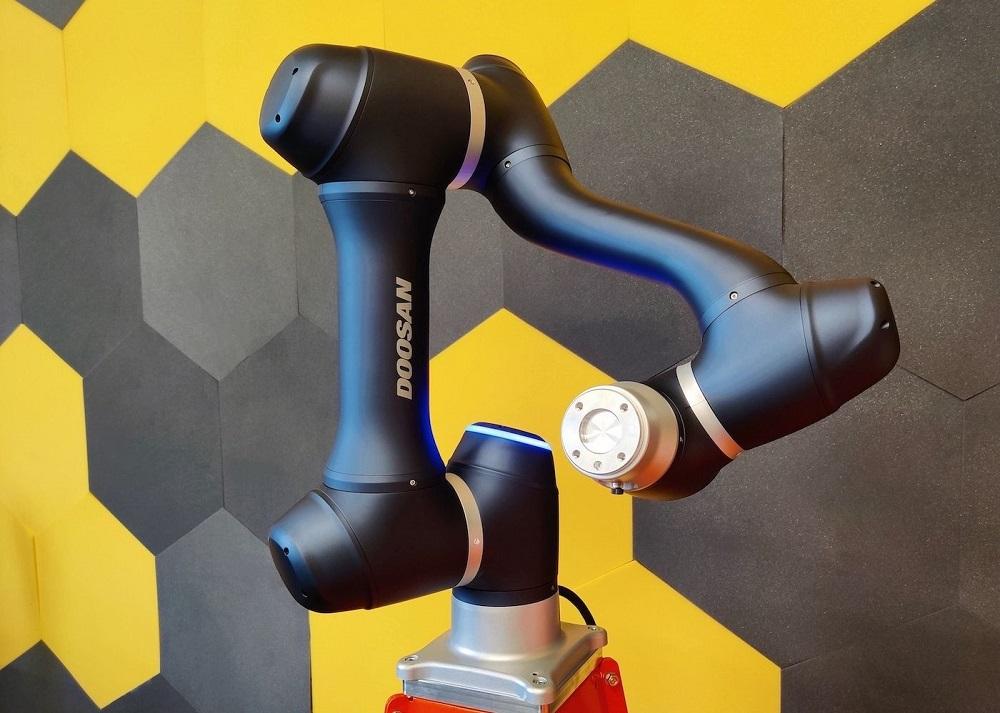 Transition-Technologies-CS-dystrybutorem-Doosan-Robotics-w-Polsce-dlaProdukcji.pl