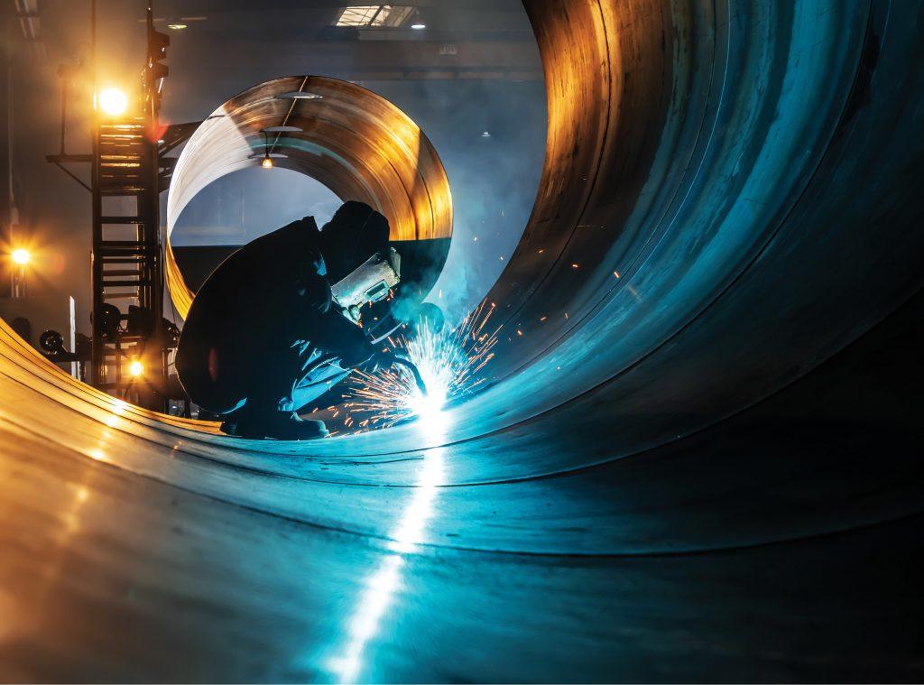 Nowoczesne atmosferyczne zbiorniki produktów naftowych ze stali HSS – technologie spawania i monitorowanie jakości dlaProdukcji.pl